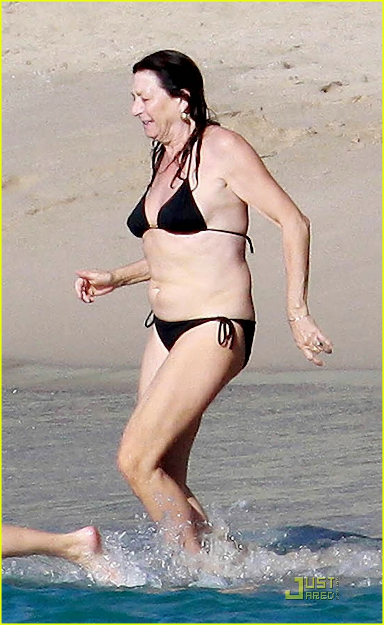anjelica huston bikini 05