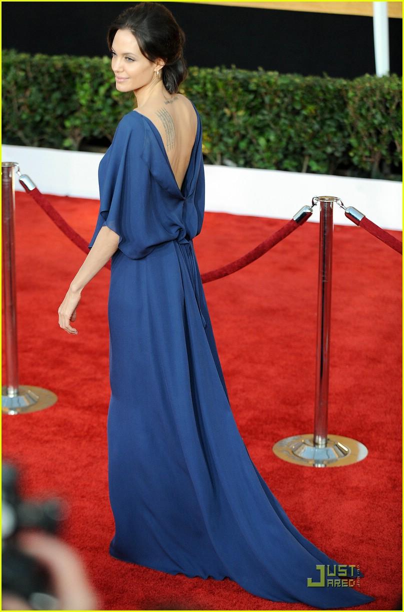angelina jolie backwards dress sag awards 031686851