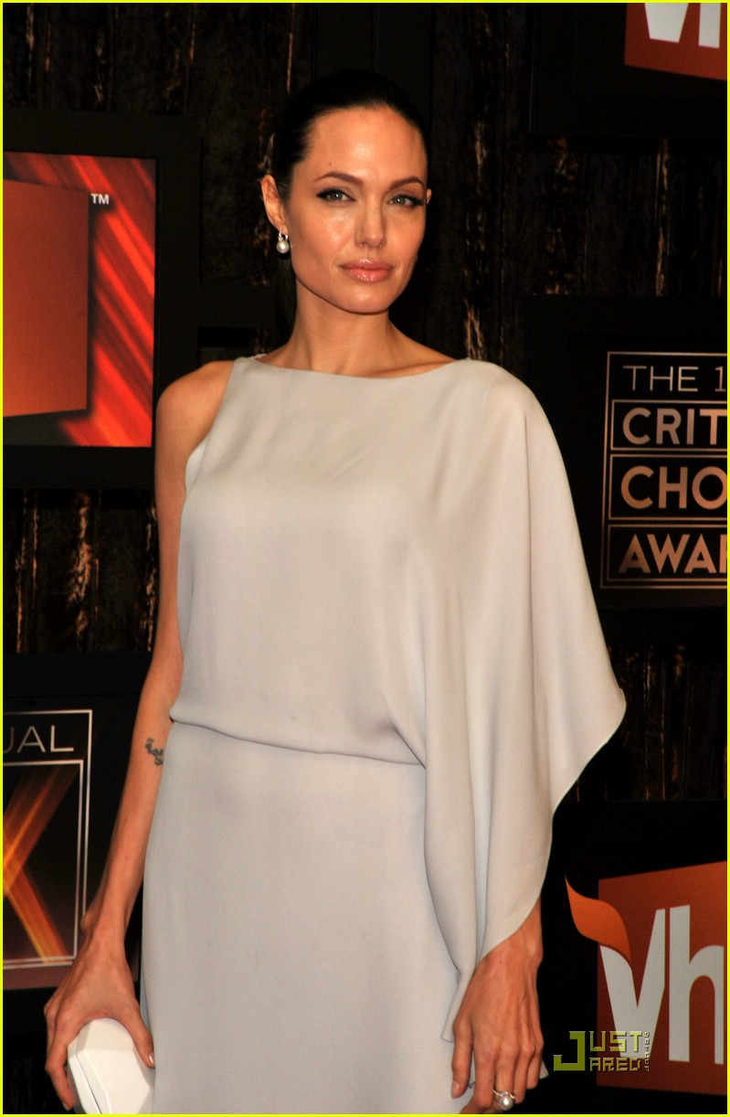 angelina jolie critics choice awards 2009 021639031