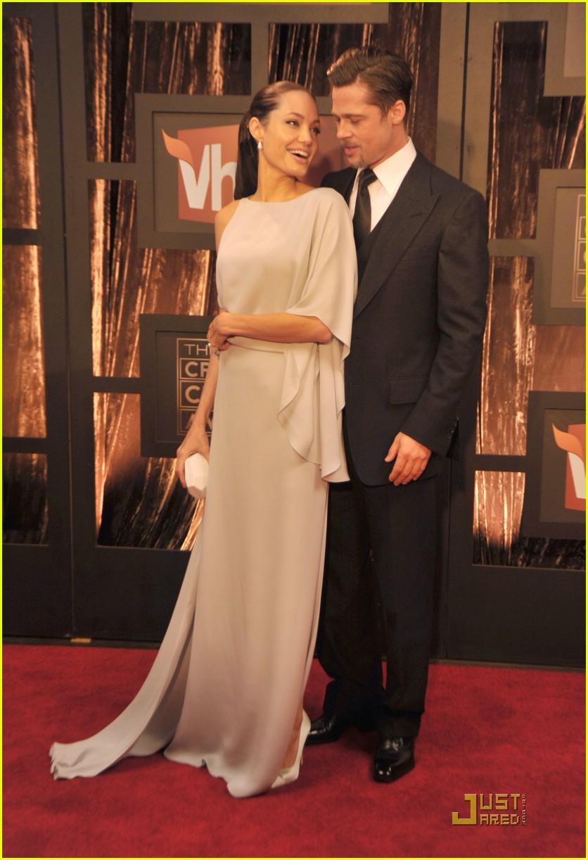 angelina jolie critics choice awards 2009 071639081