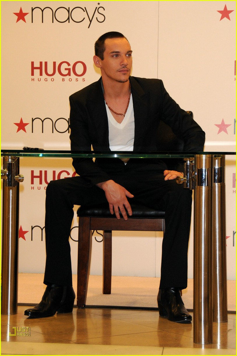 jonathan rhys meyers hugo boss 041691951