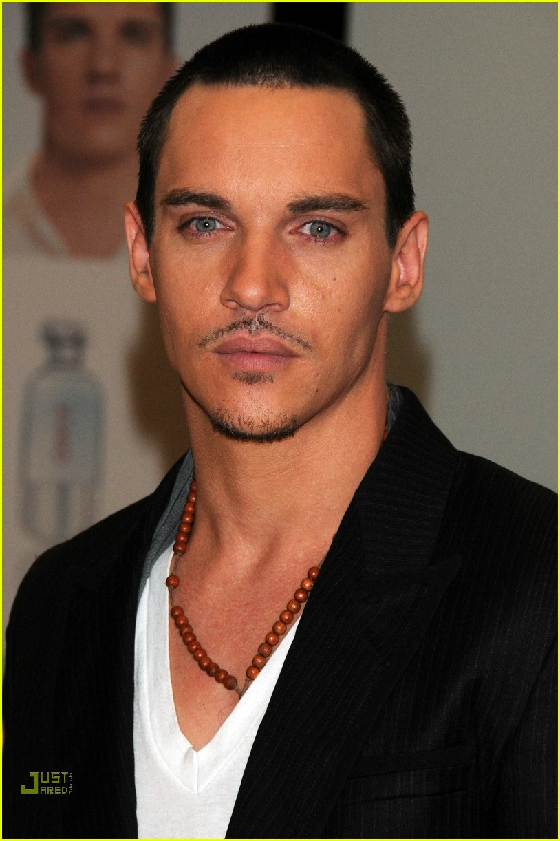 jonathan rhys meyers hugo boss 091692001
