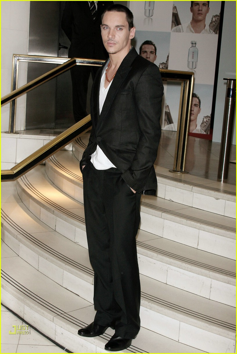 jonathan rhys meyers hugo boss 18