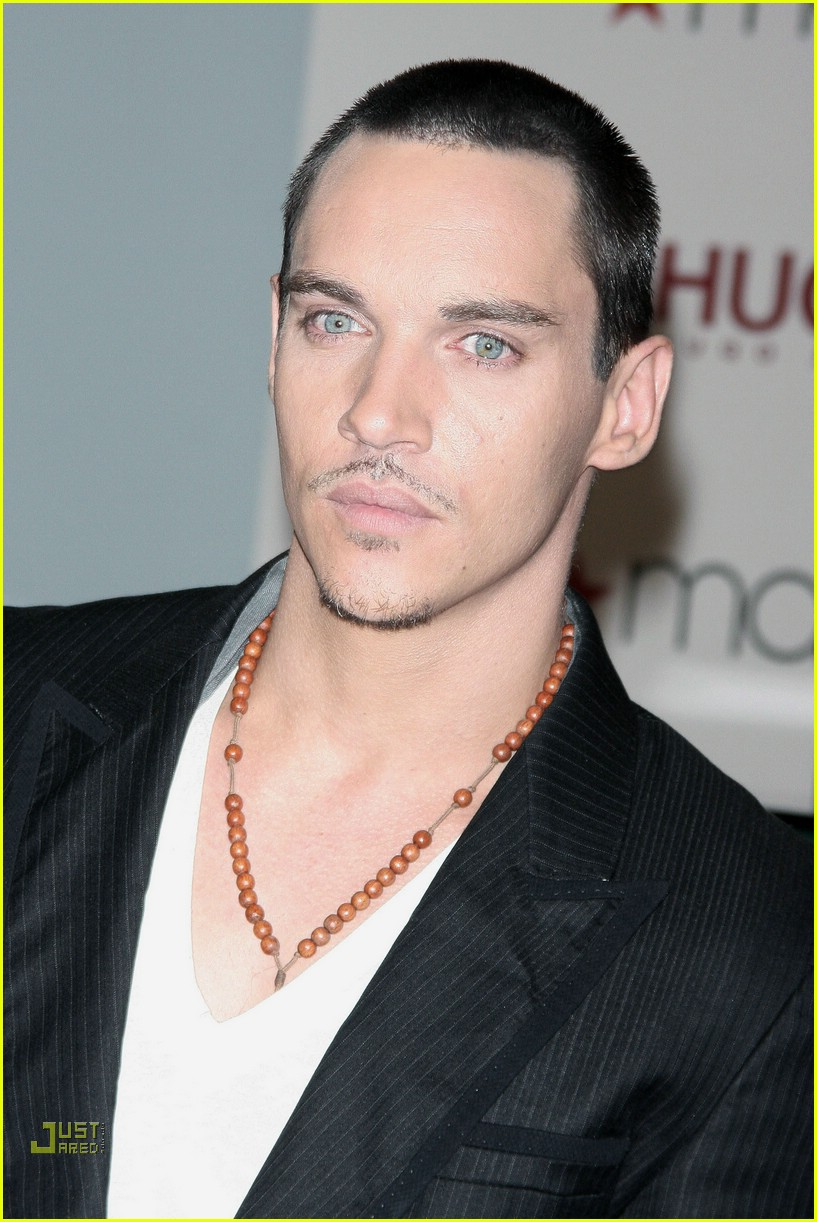 jonathan rhys meyers hugo boss 19