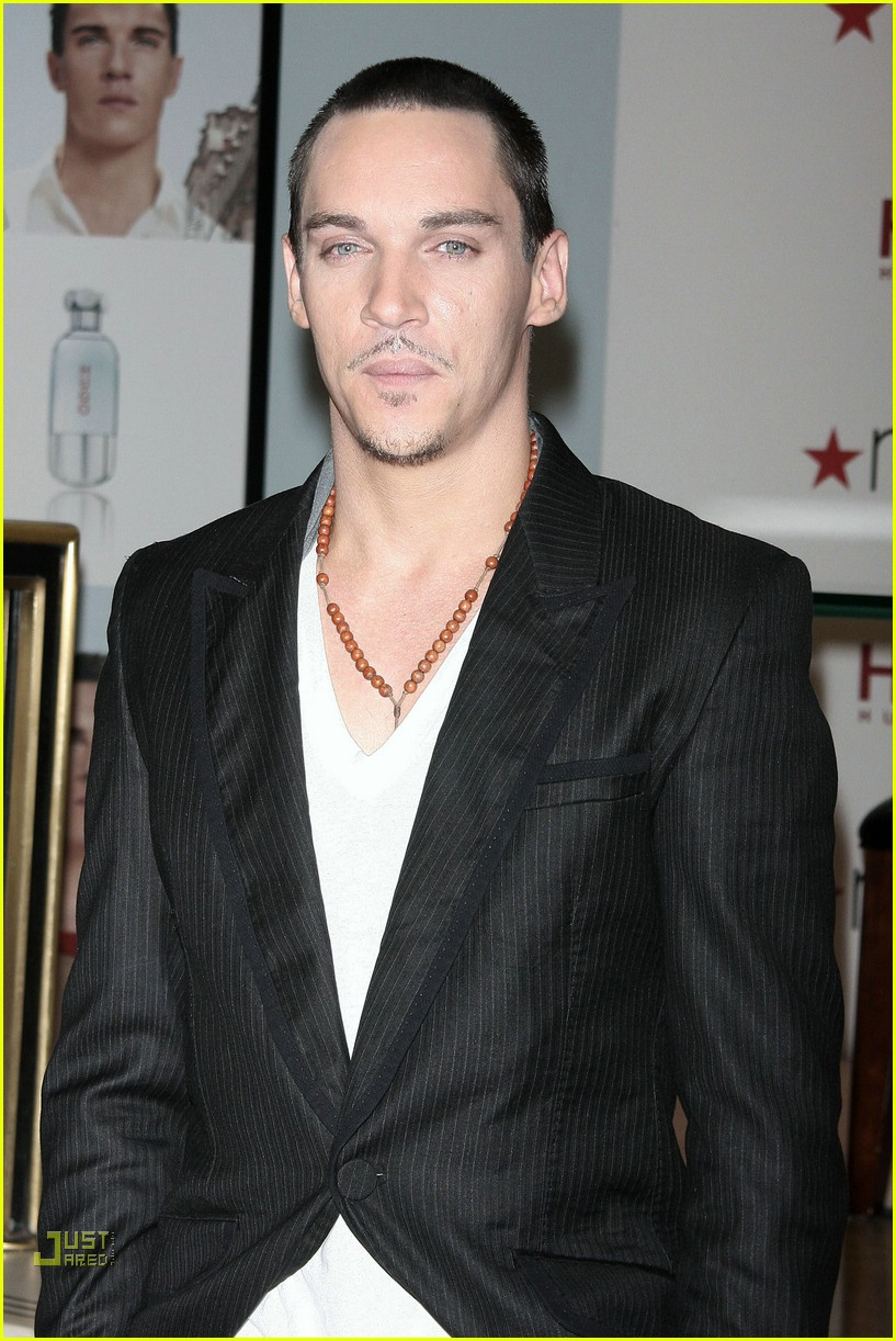 jonathan rhys meyers hugo boss 201692111