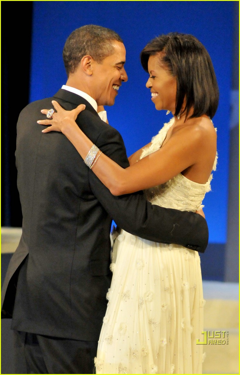 barack michelle obama inaugural dance 021668331