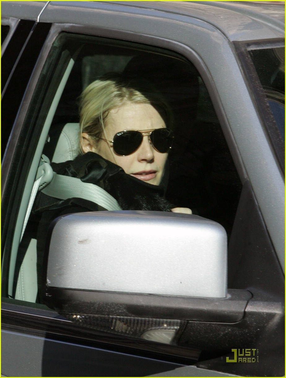gwyneth paltrow meets madonna 021658121