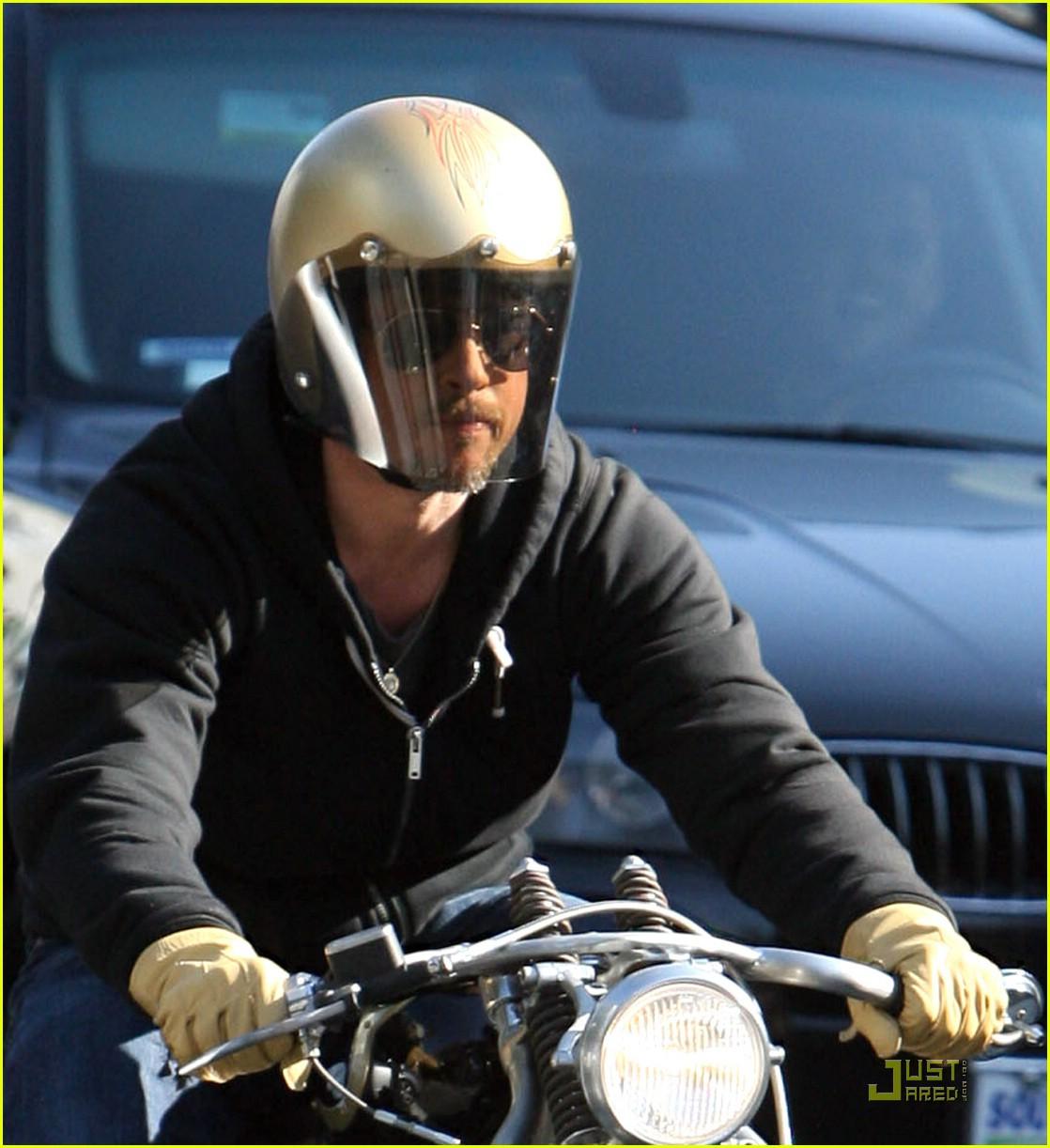 brad pitt motorcycle helmet 031638511