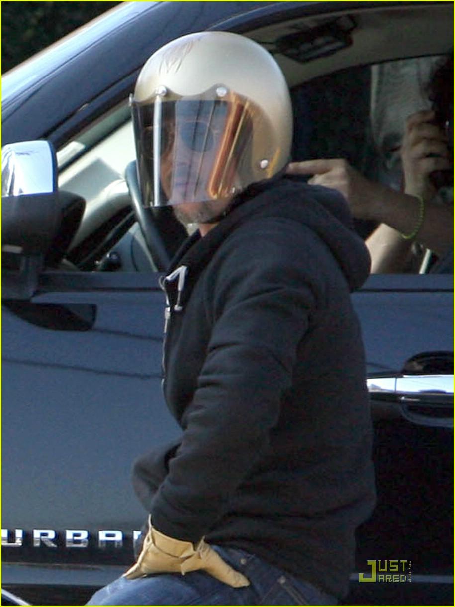 brad pitt motorcycle helmet 051638531