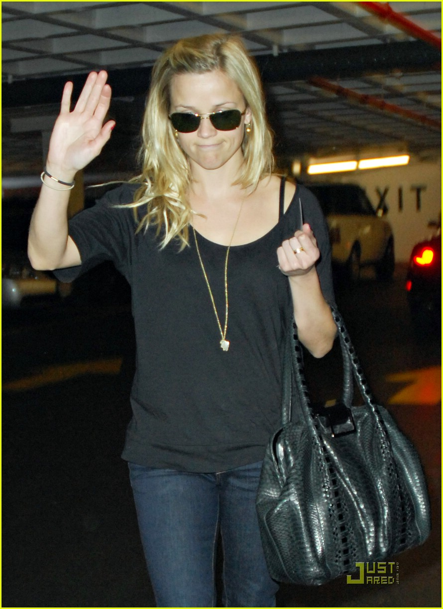 reese witherspoon talk to the hand 061650691