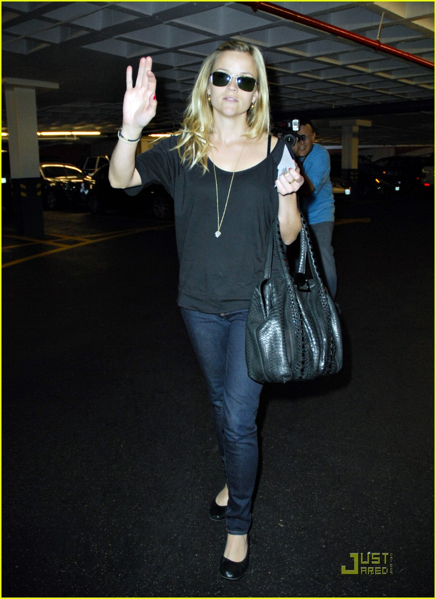 reese witherspoon talk to the hand 101650731
