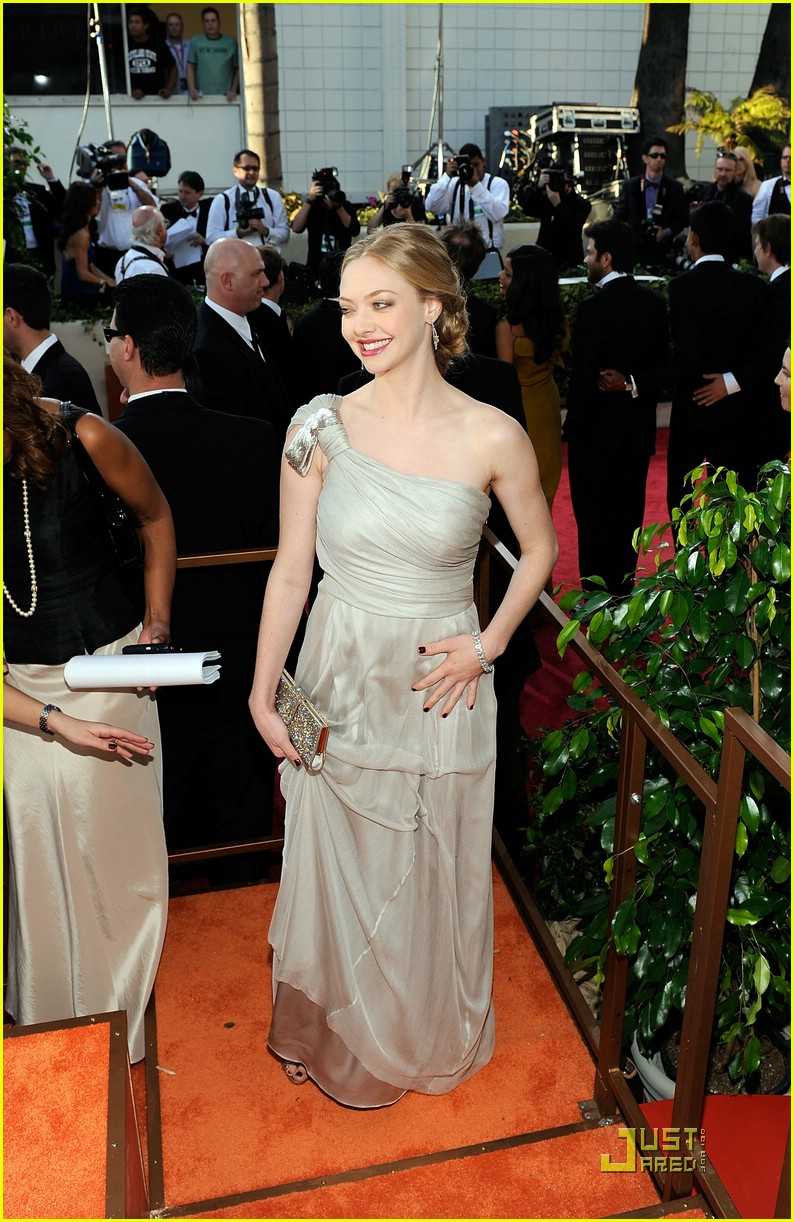 amanda seyfried dominic cooper golden globes 2009 25