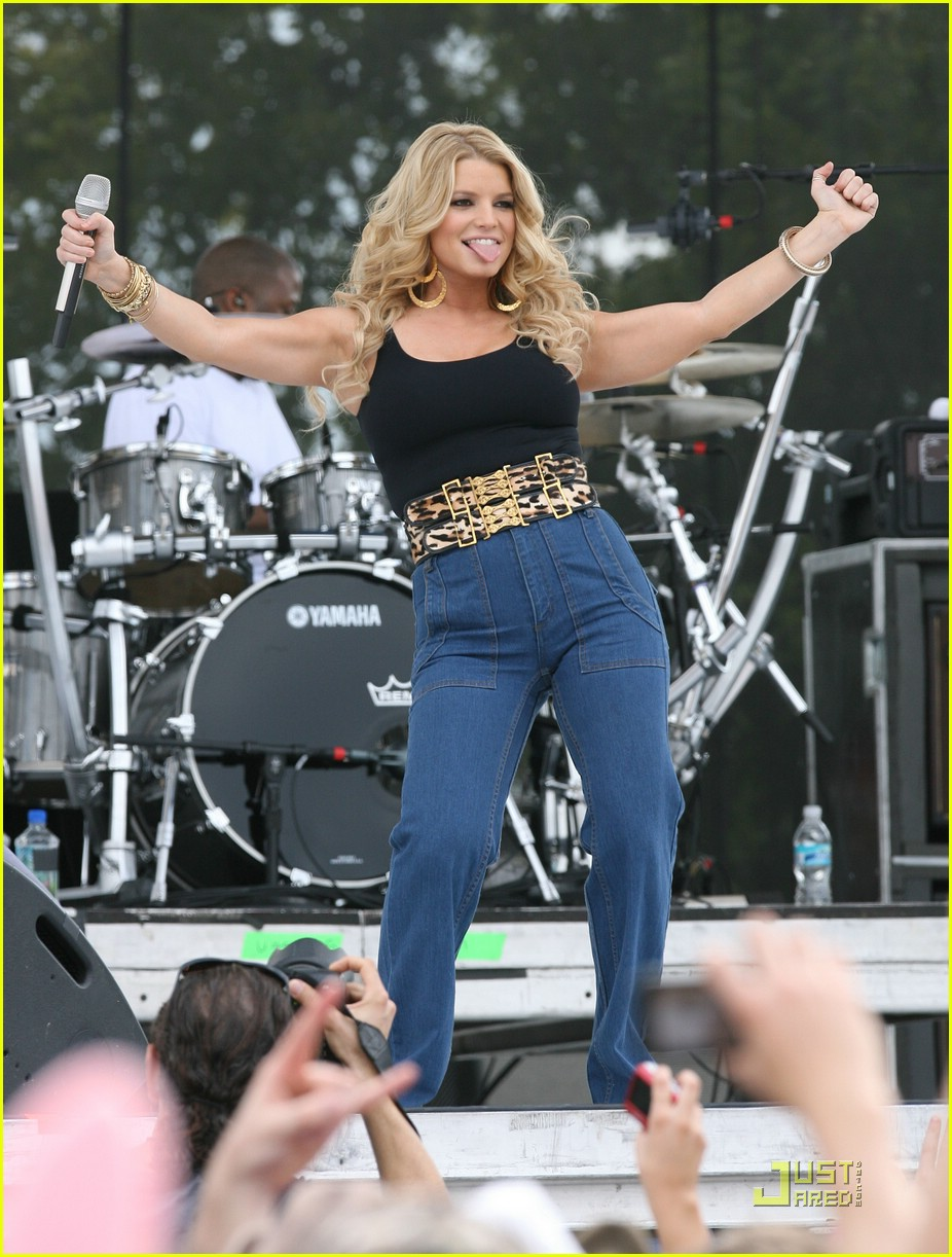 jessica simpson kiss country chili cookoff 091676381