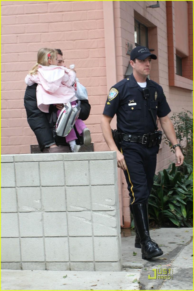 violet affleck ben affleck police escort 12