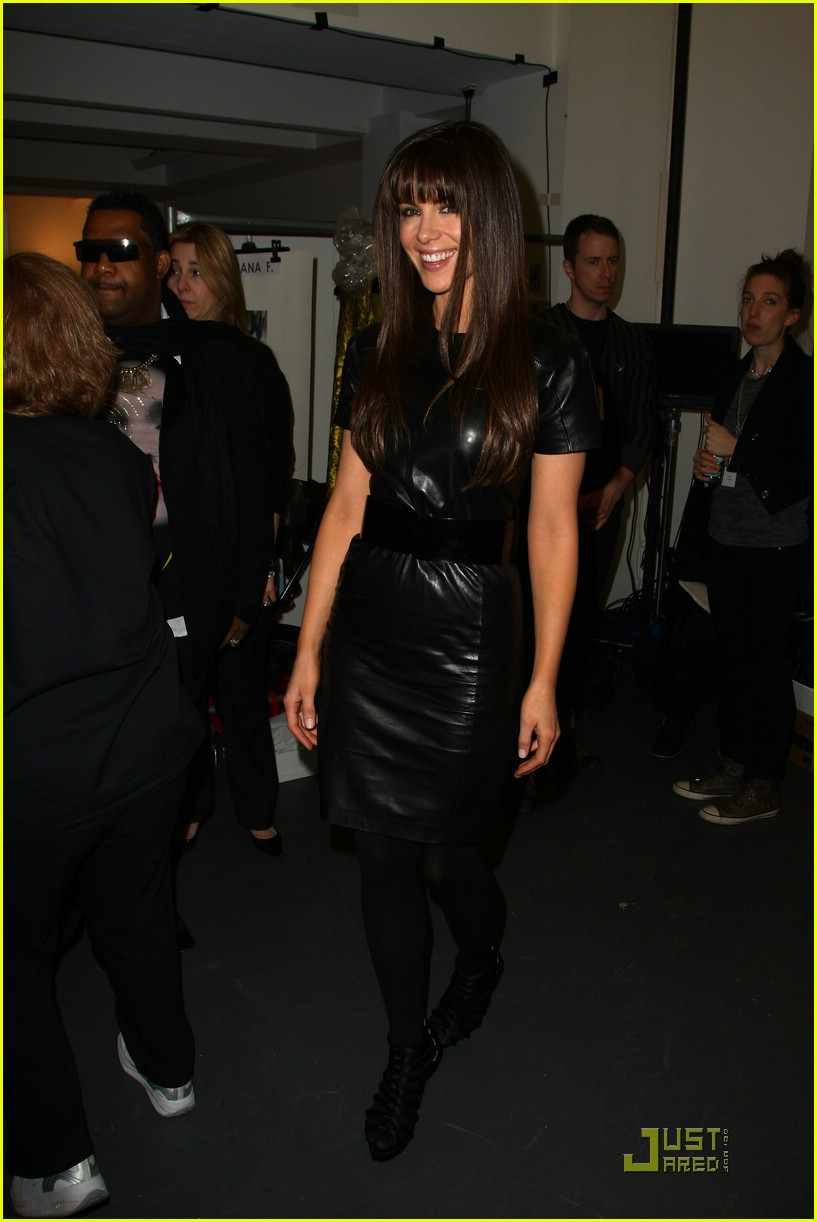 kate beckinsale blacks out 081738661