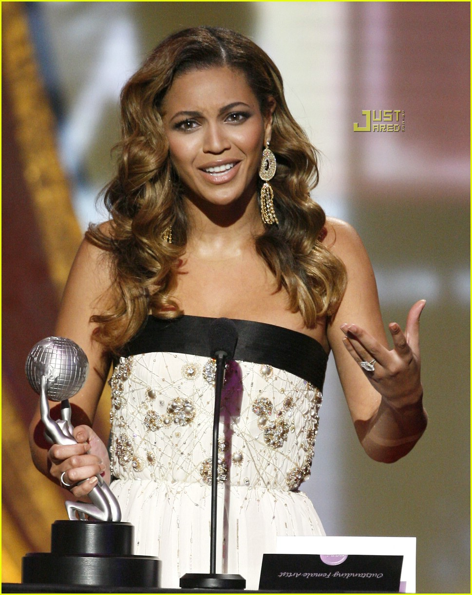 beyonce naacp image awards 16
