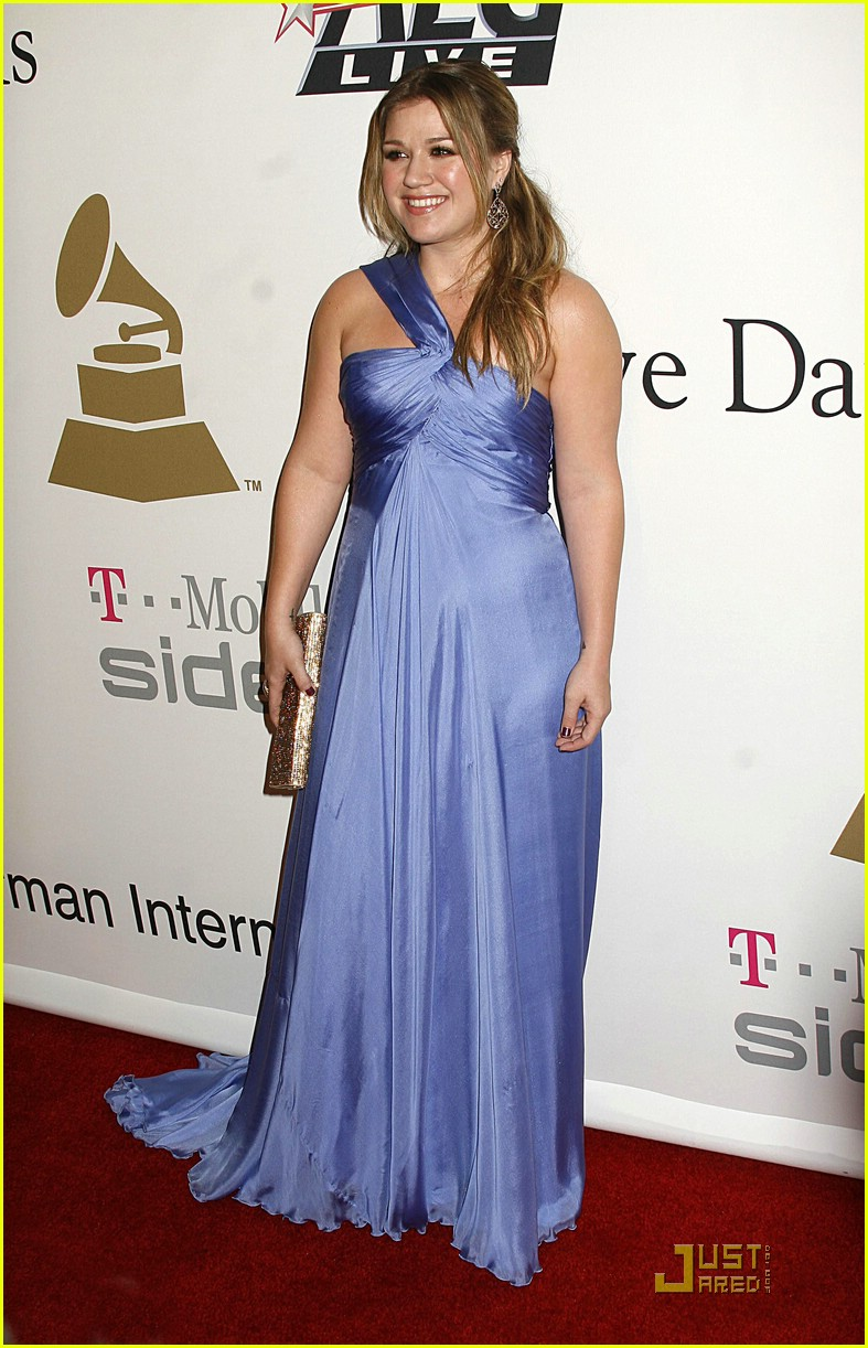 kelly clarkson clive davis salute 231709851