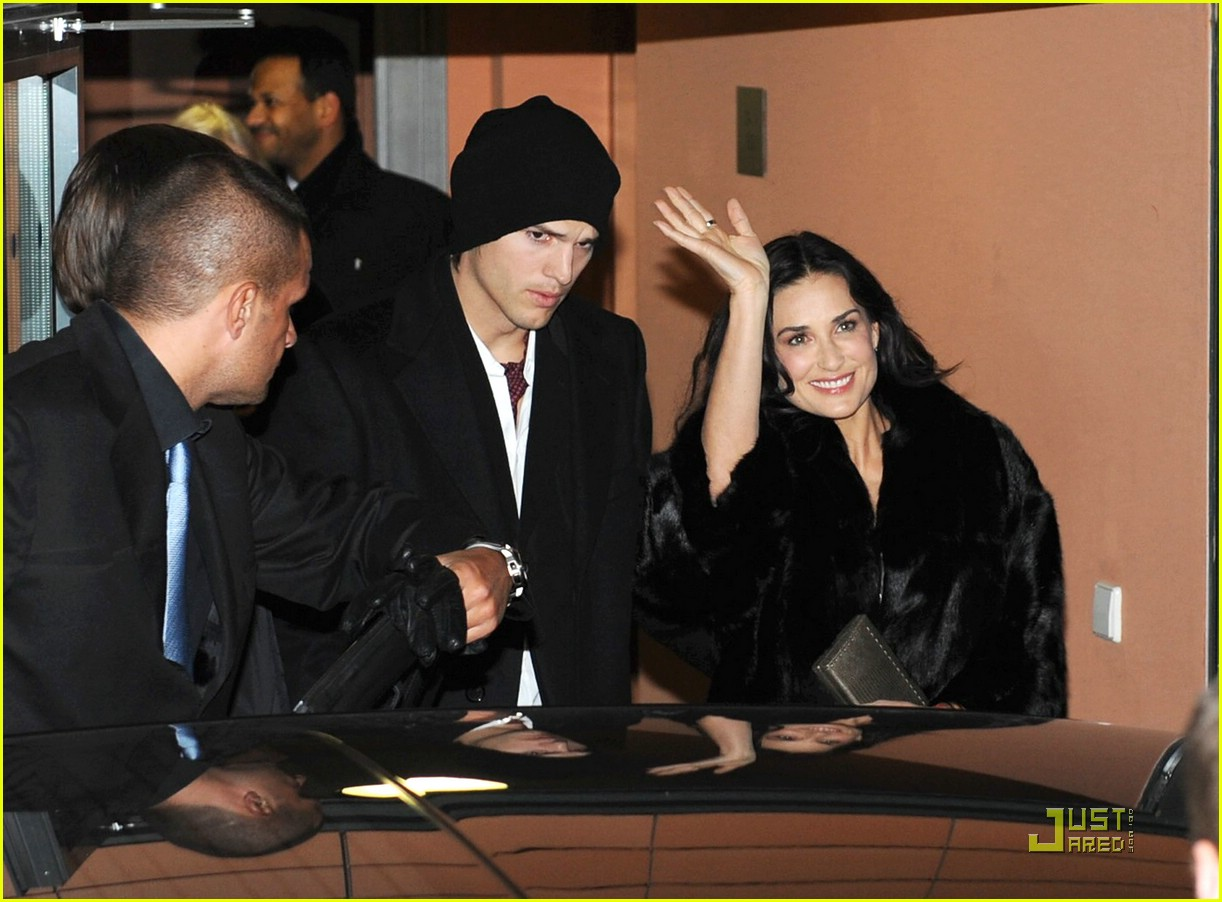 demi moore ashton kutcher berlin germany 021720881