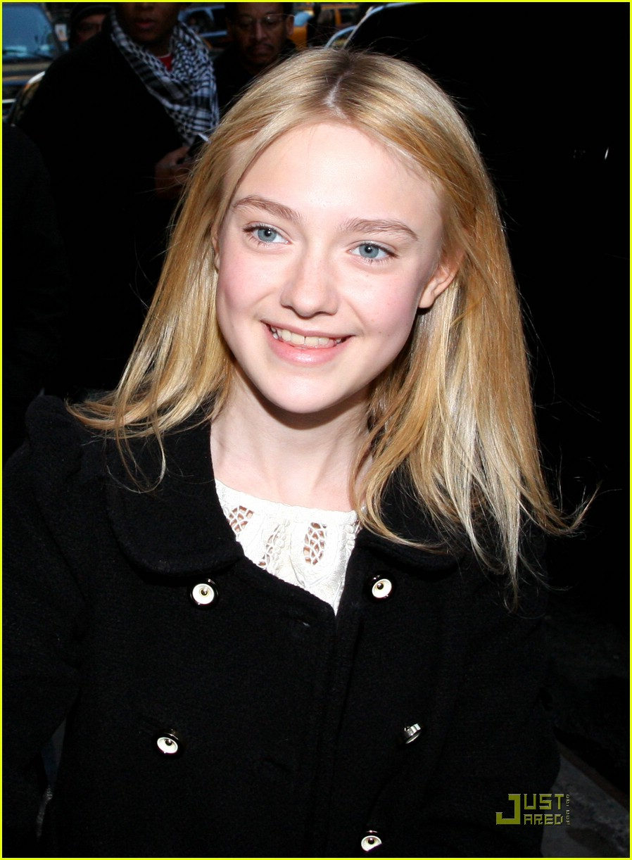 dakota fanning good morning america 02