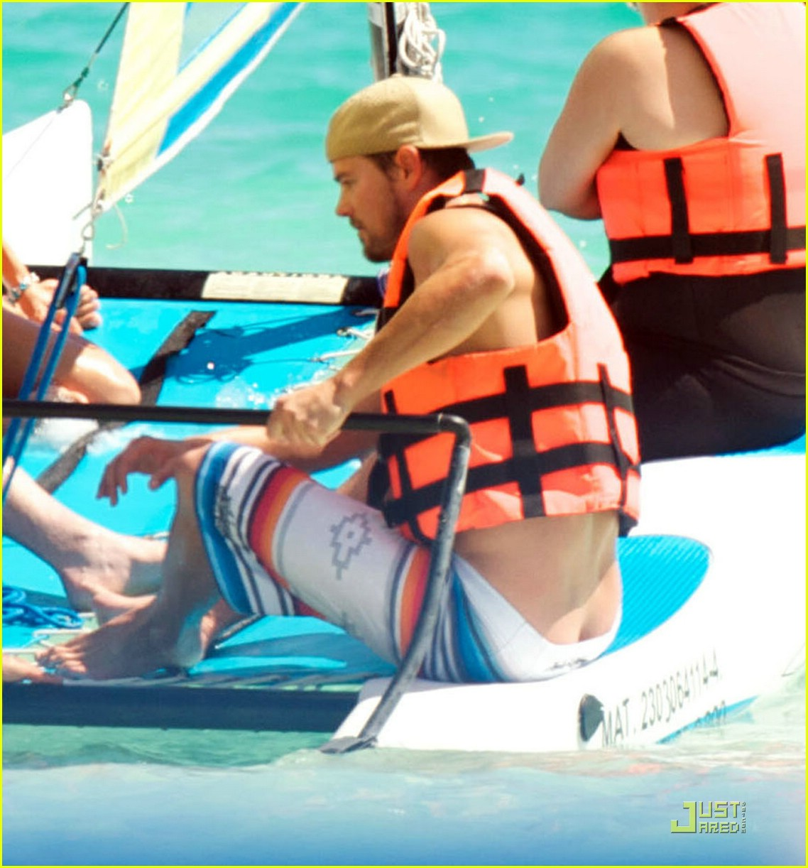 fergie josh duhamel sailboarding 011728431