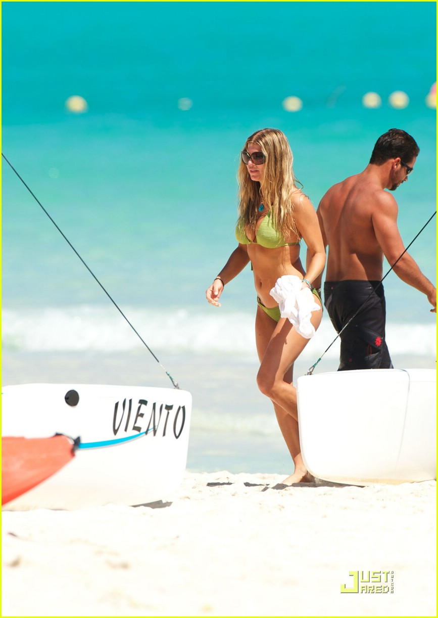 fergie josh duhamel sailboarding 17