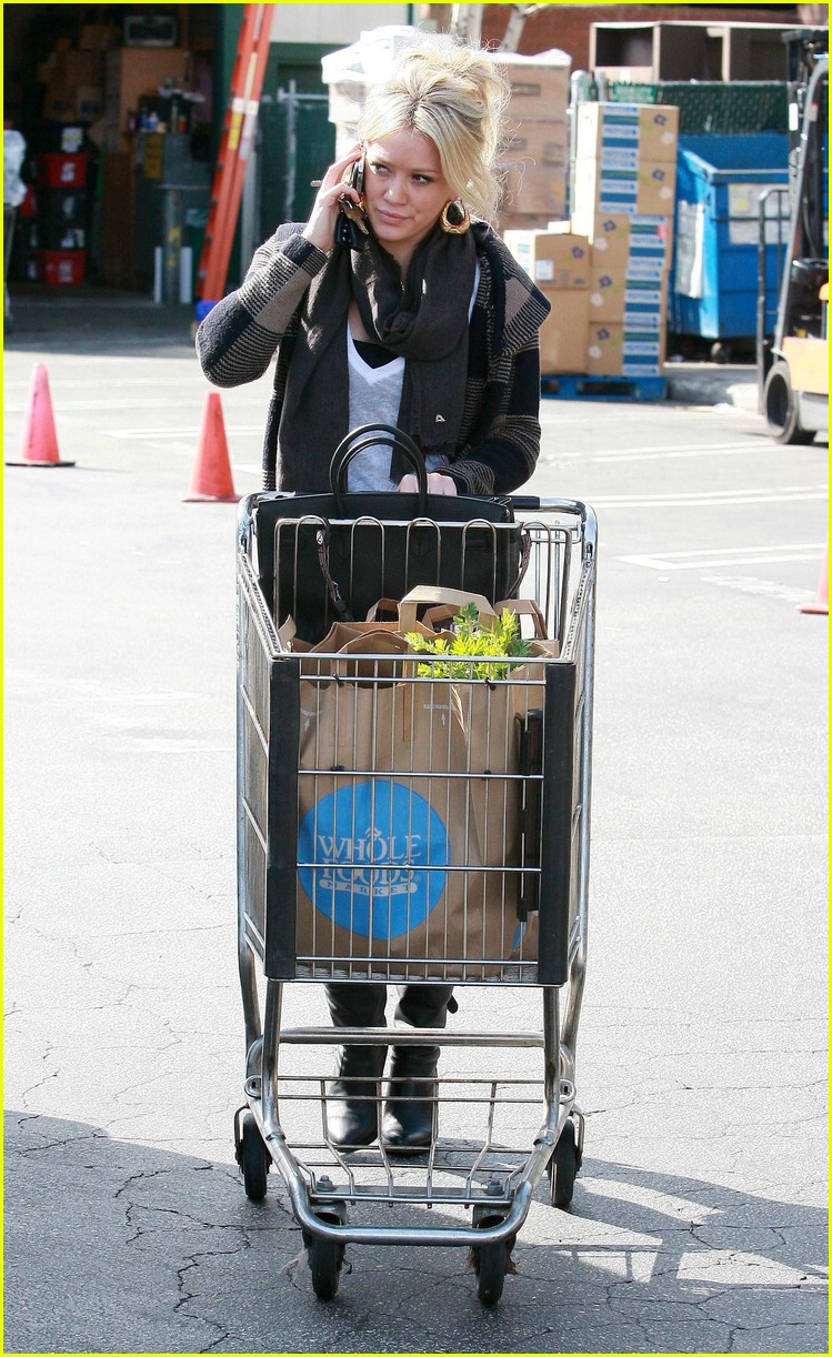 hilary duff whole foods 10