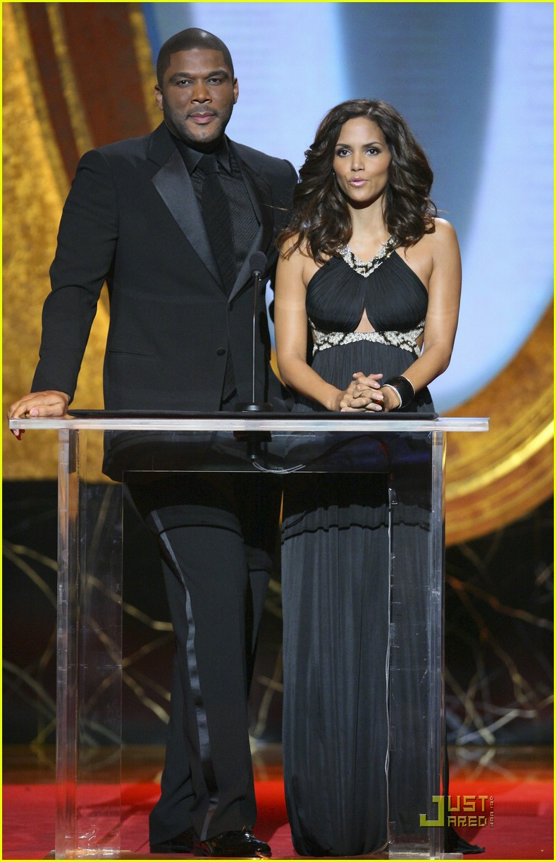 halle berry 2009 naacp 01