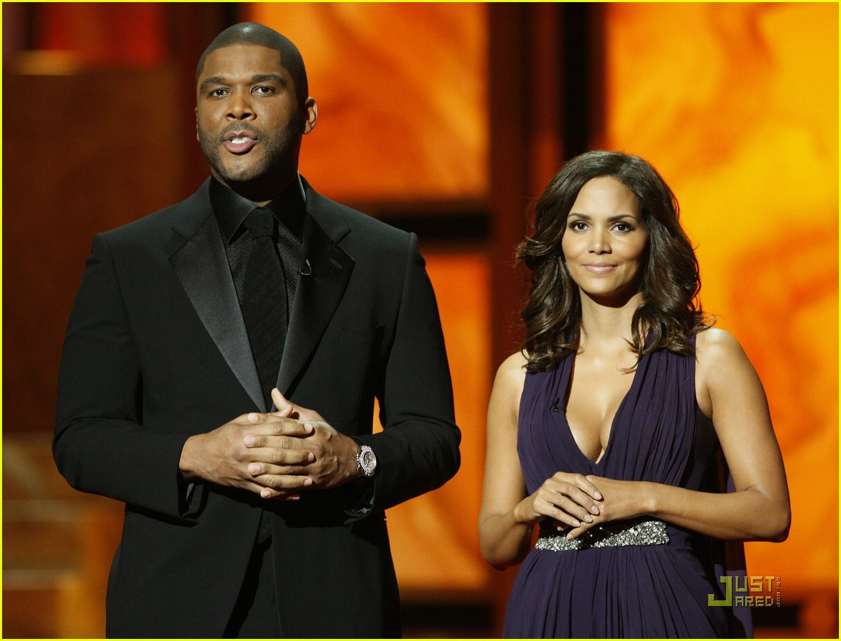 halle berry 2009 naacp 081722781