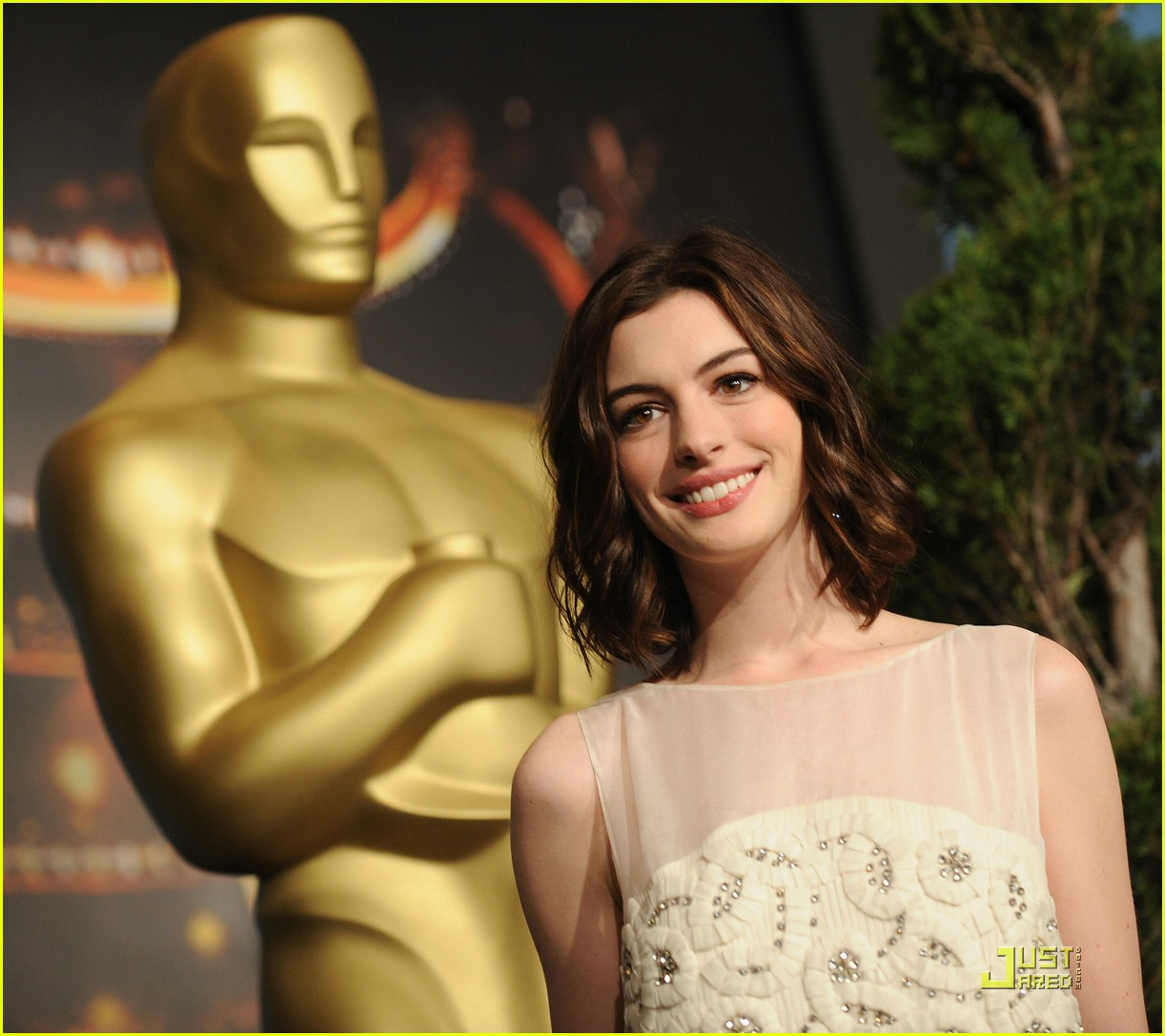 anne hathaway 2009 oscar nominees luncheon 061698991