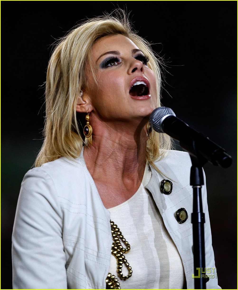 faith hill jennifer hudson superbowl 051694831