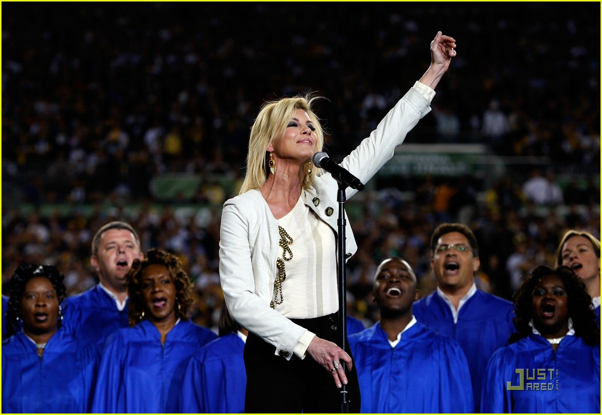 faith hill jennifer hudson superbowl 081694861