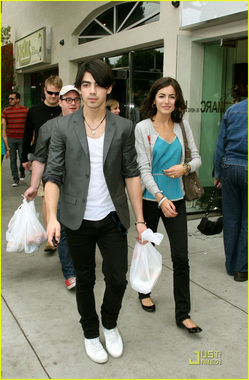 joe jonas camilla belle larchmont lovers 041747871