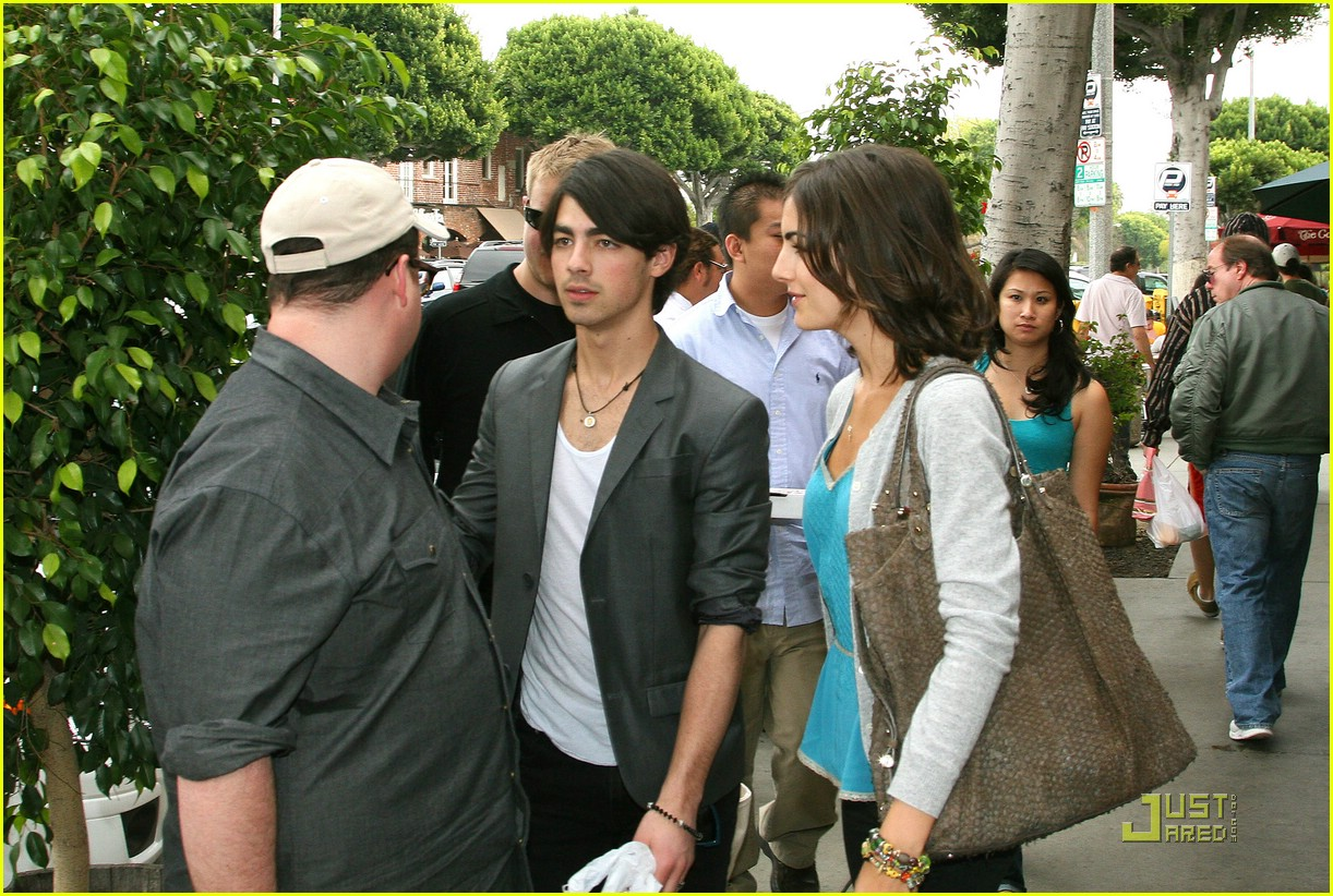 joe jonas camilla belle larchmont lovers 061747891