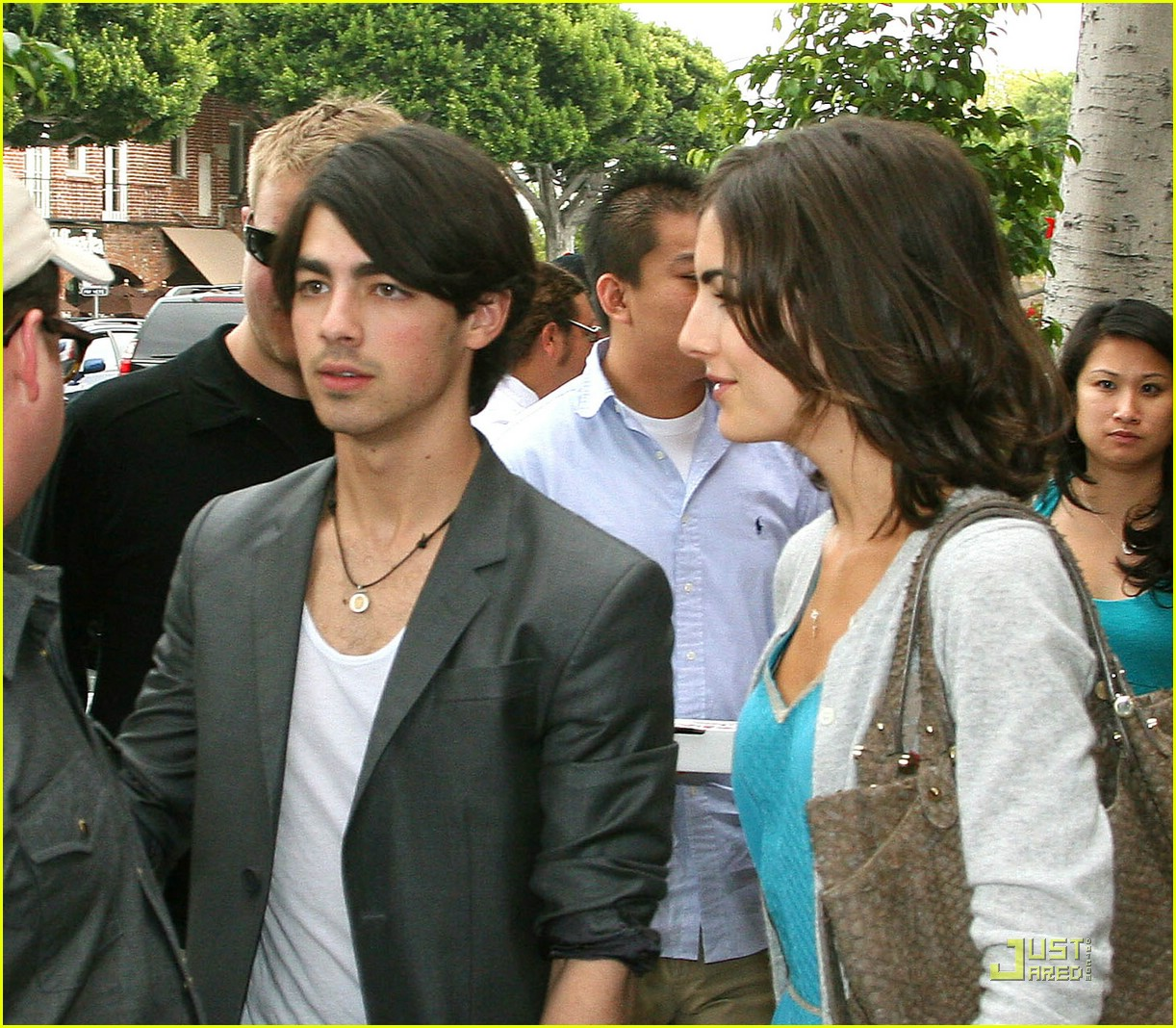 joe jonas camilla belle larchmont lovers 07