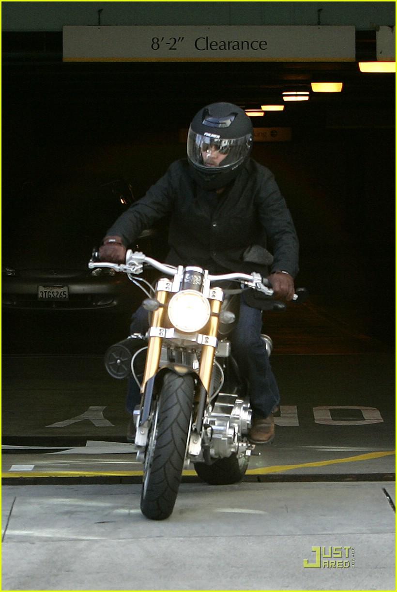 brad pitt rides fulmer fast 121740121