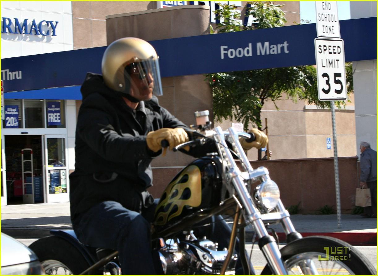 brad pitt motorcycle madness 01