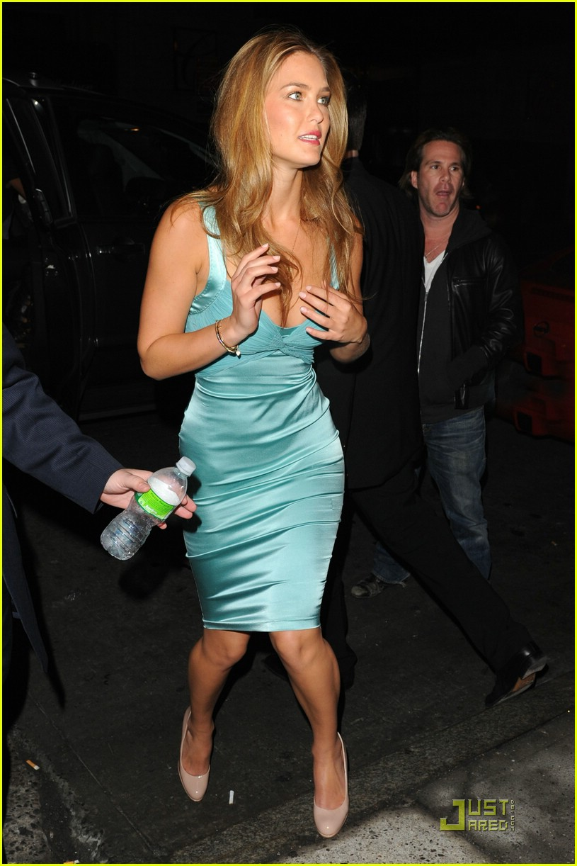 bar refaeli sports illustrated party 041720631