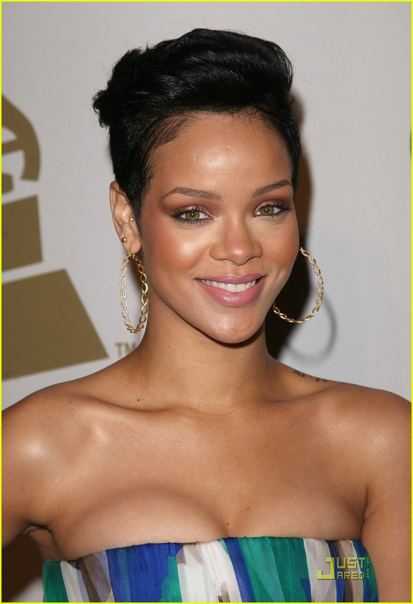 rihanna chris brown grammys 251709521