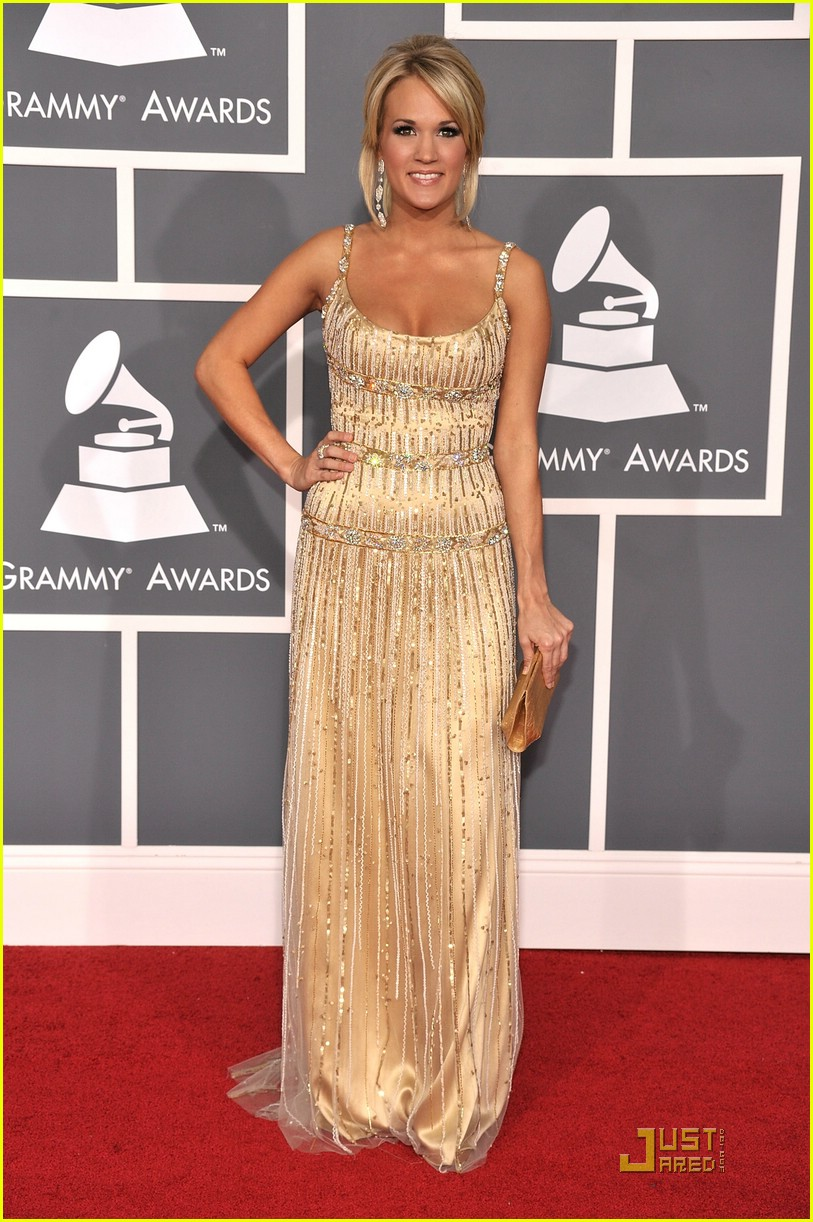 carrie underwood grammys red carpet 2009 031710471