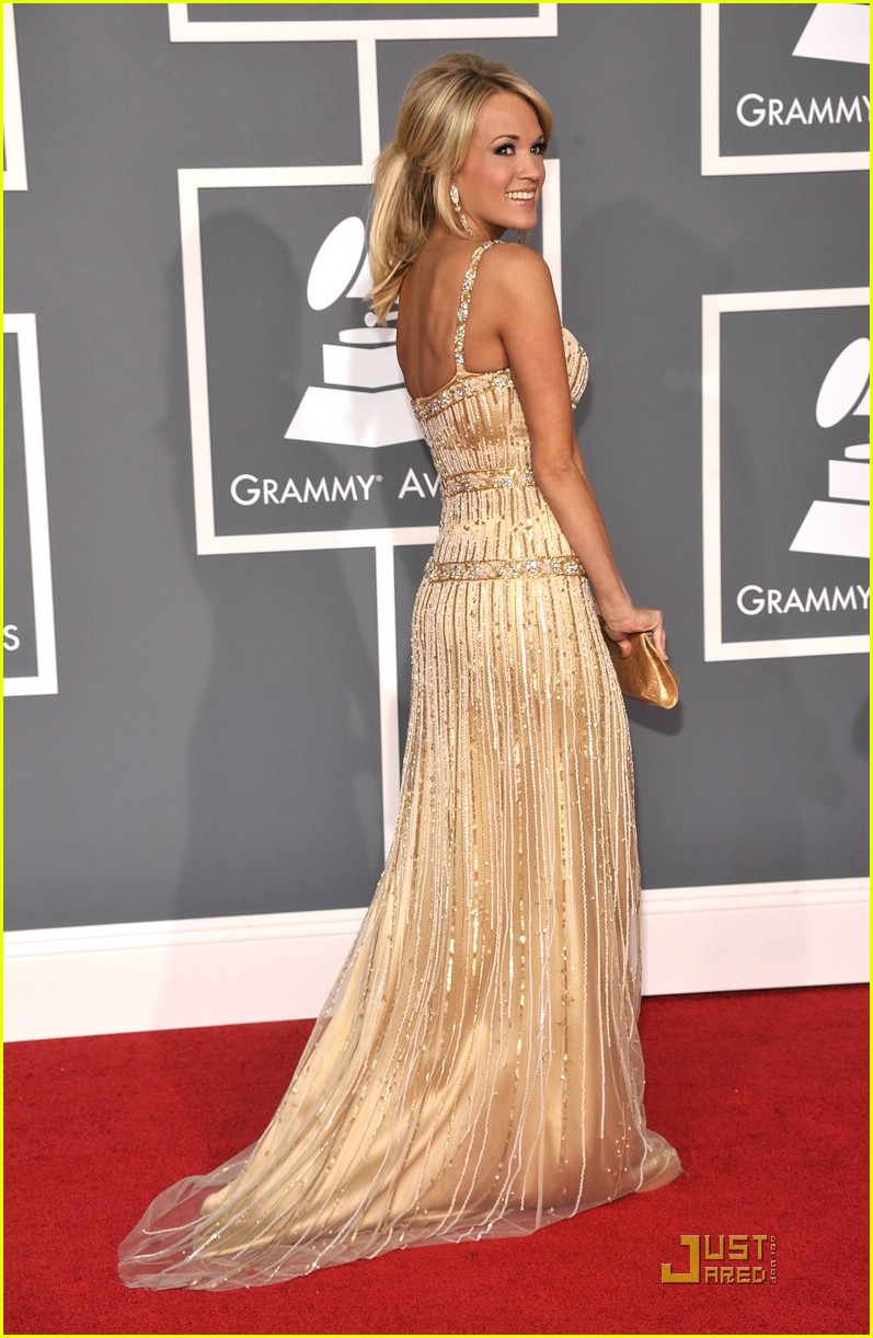carrie underwood grammys red carpet 2009 19