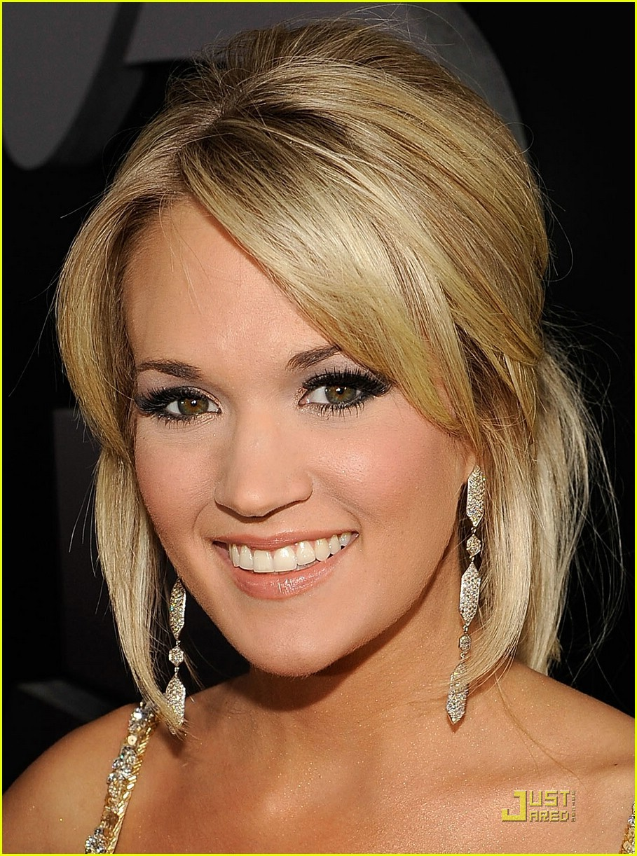carrie underwood grammys red carpet 2009 20