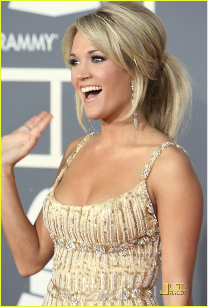 carrie underwood grammys red carpet 2009 211710651