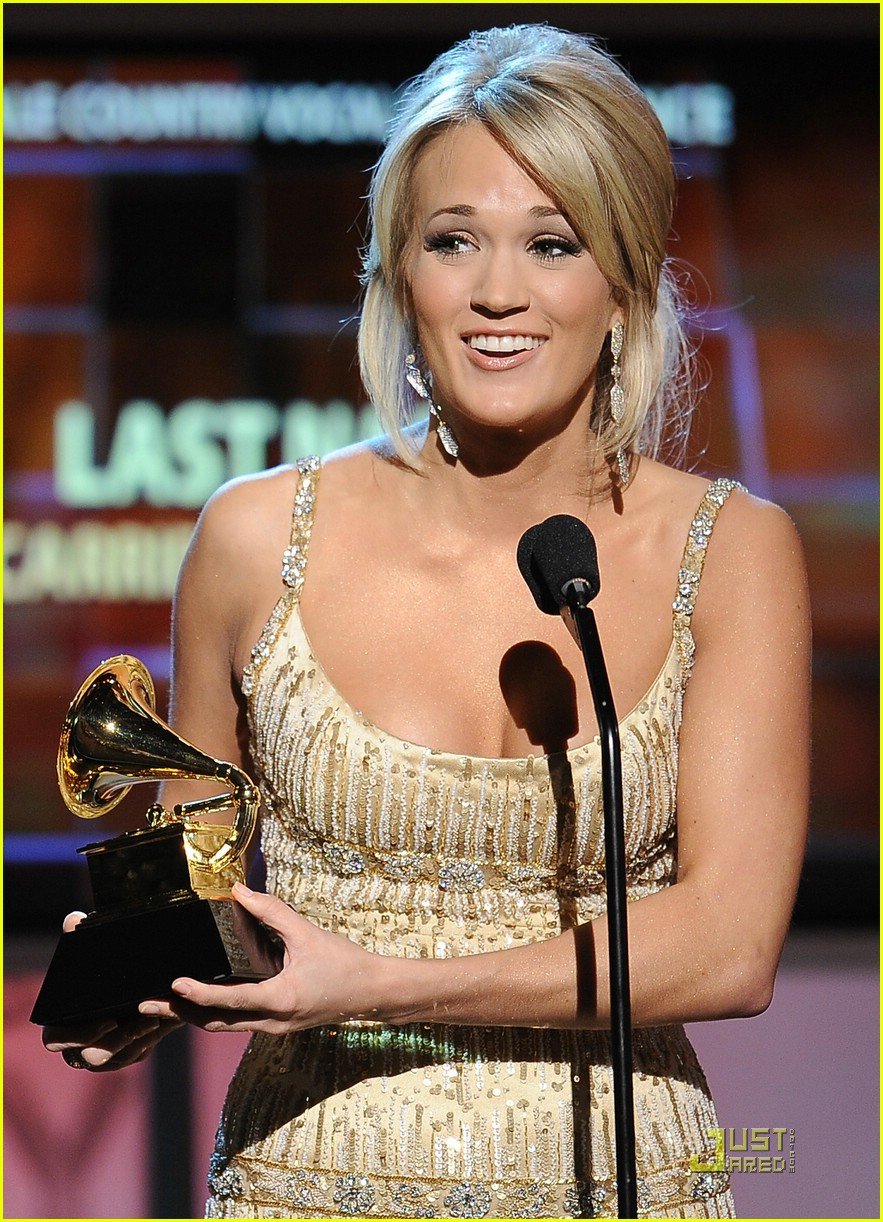 carrie underwood grammys red carpet 2009 221710661