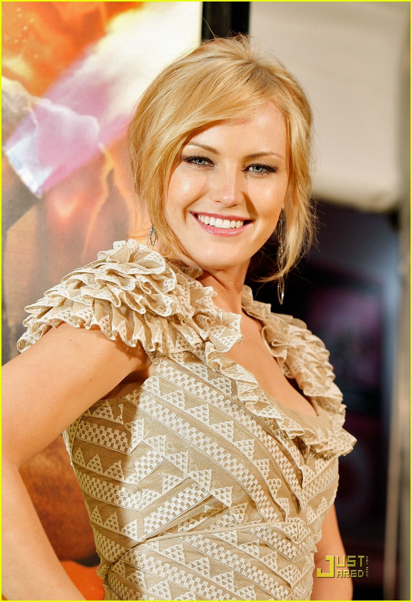 malin akerman watchmen premiere 471765091