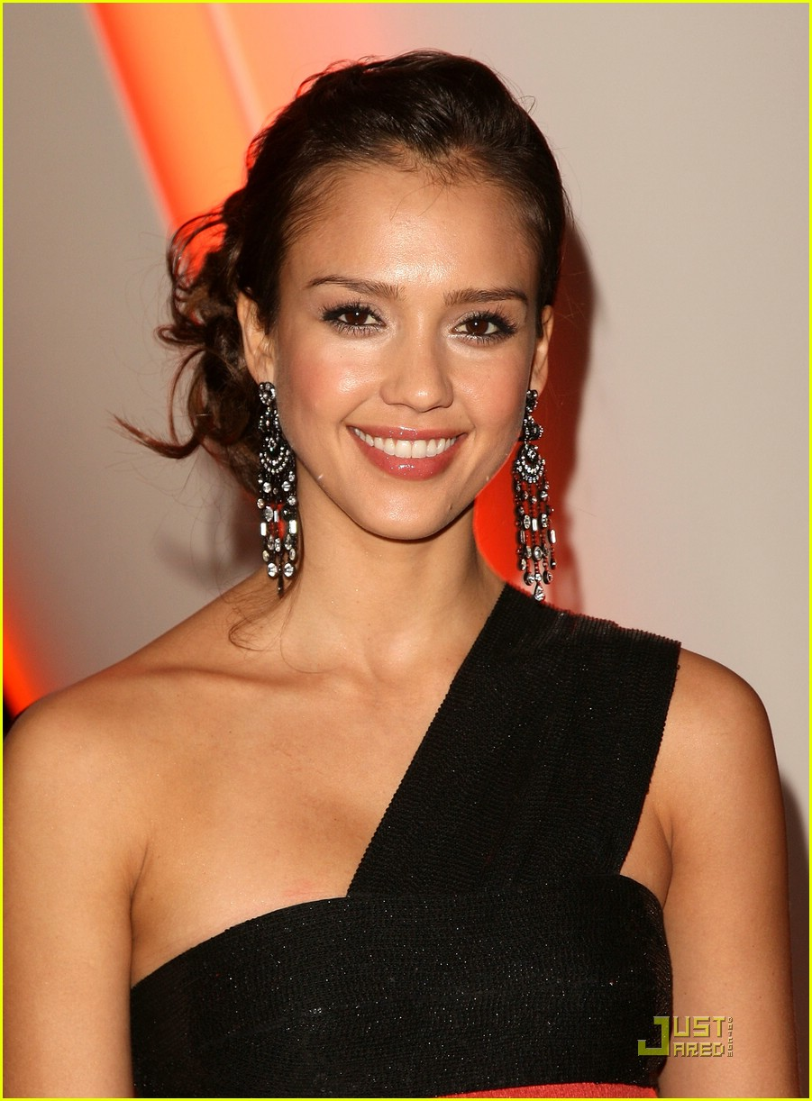 jessica alba gets glaad 07