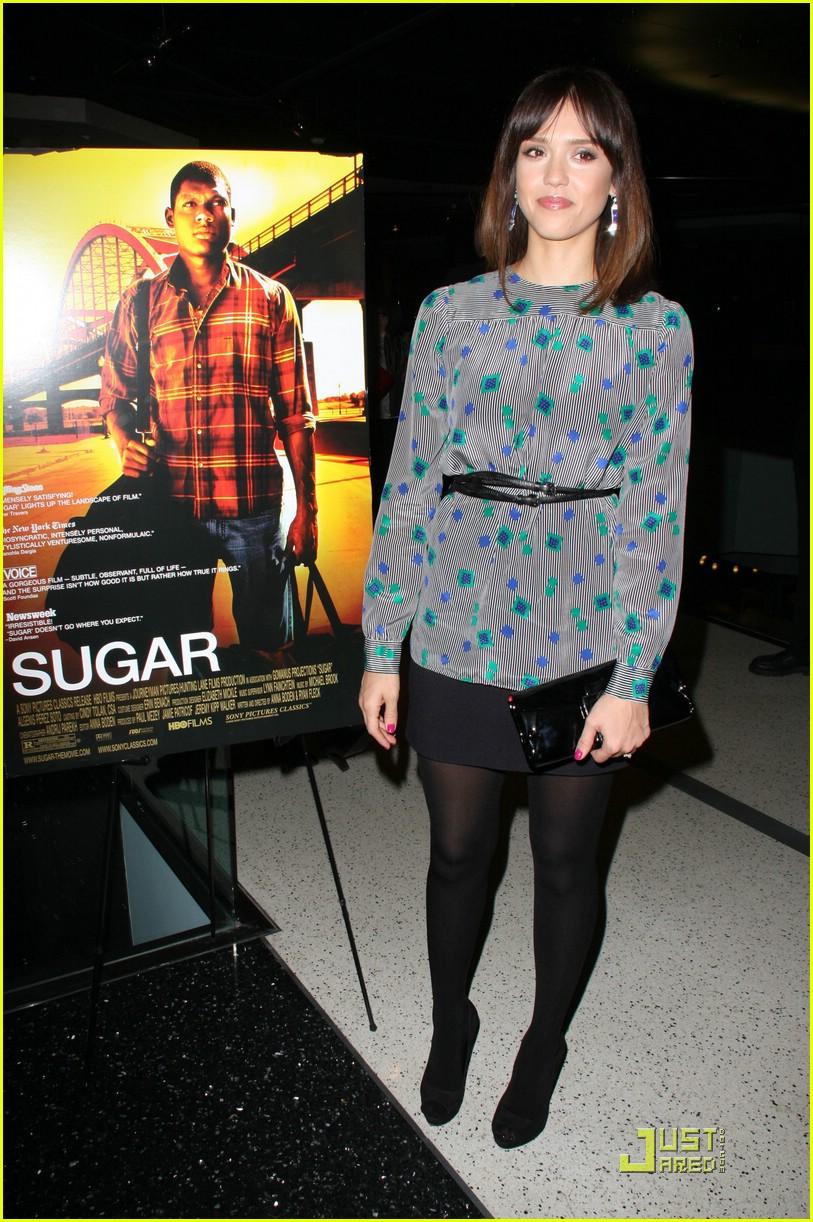 jessica alba sugar premiere 381800091