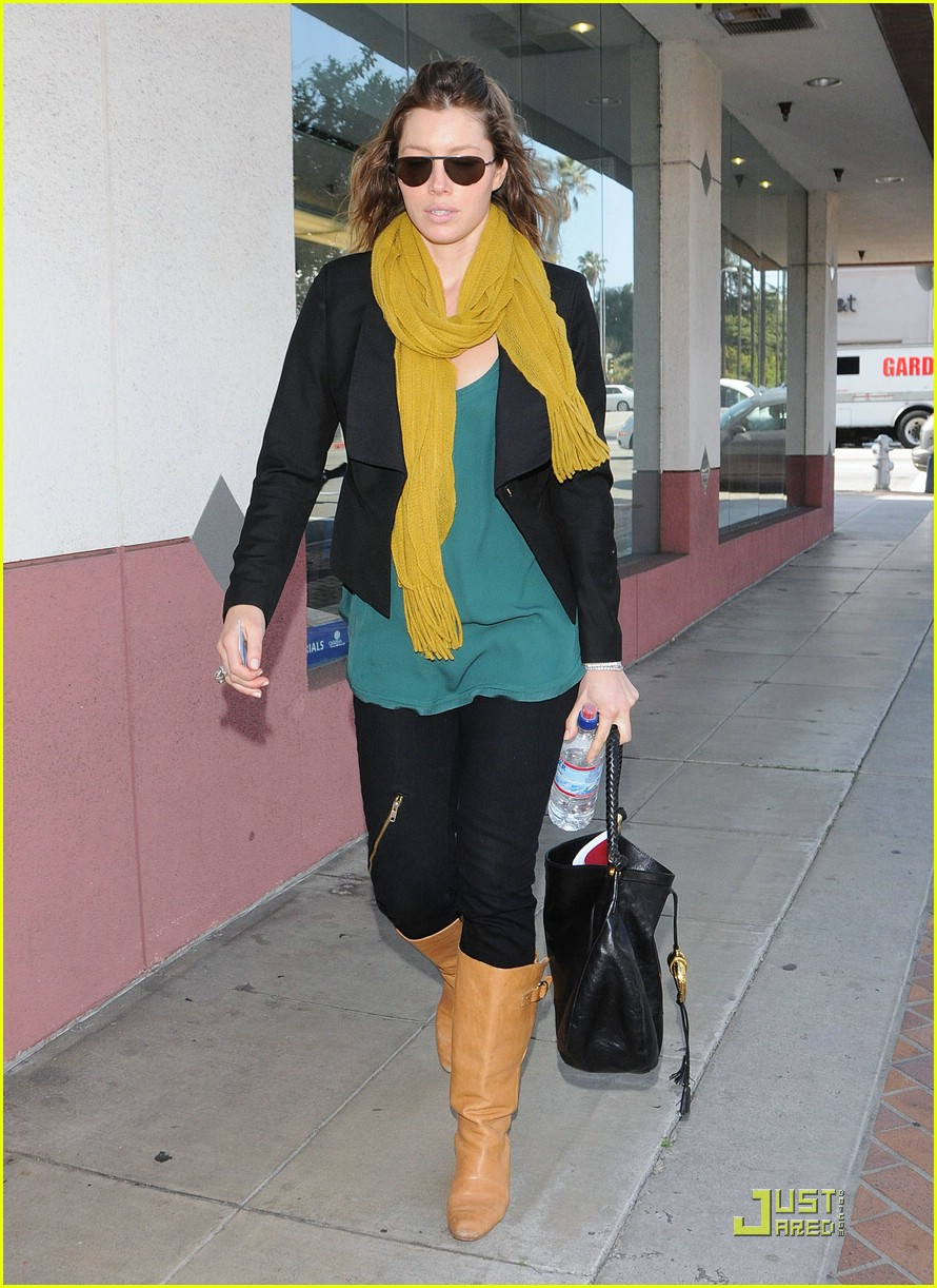 jessica biel beverly hills lunch 011823621