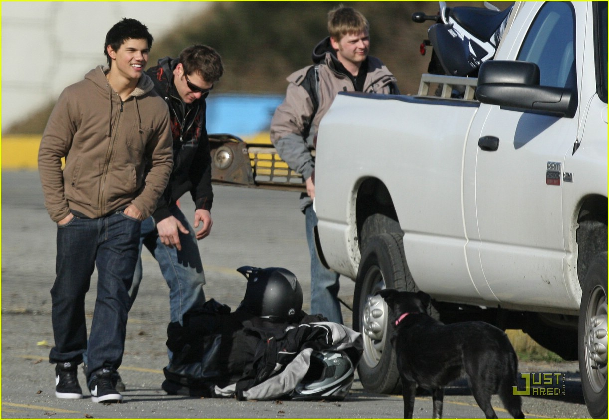 taylor lautner dirt bike 11
