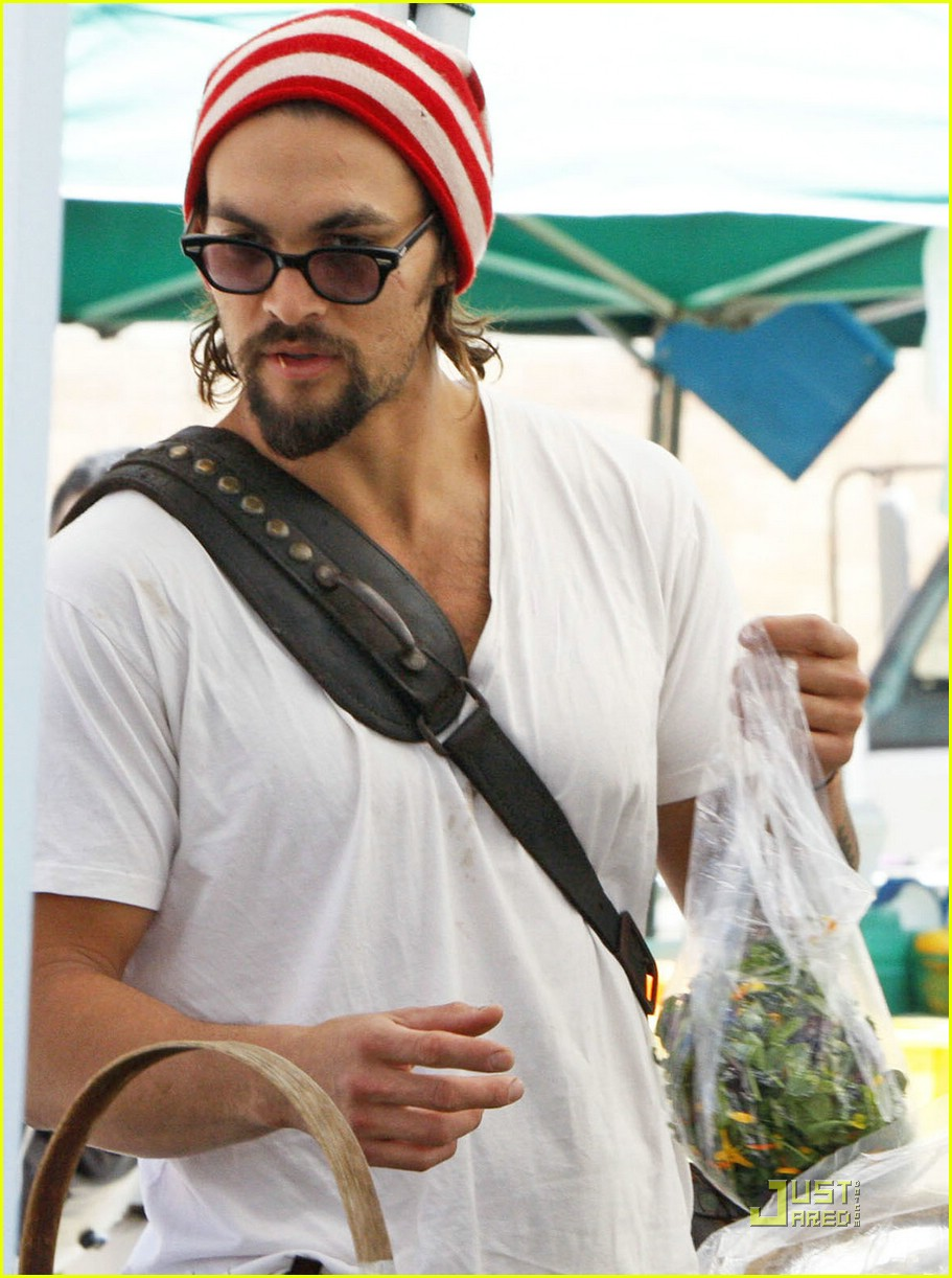 Hall of Shame Jason-momoa-lisa-bonet-farmers-market-05