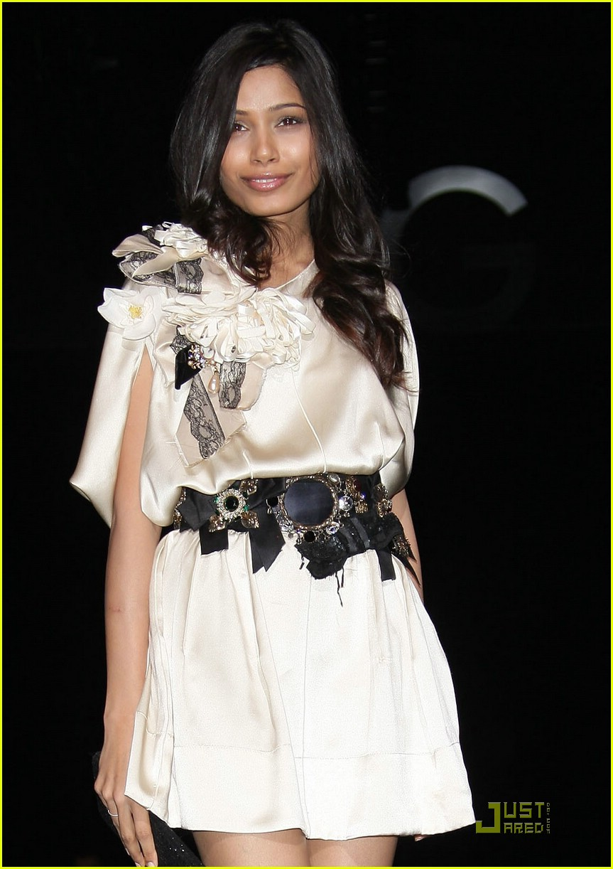 Full Sized Photo of freida pinto estee lauder spokesperson ... Freida Pinto
